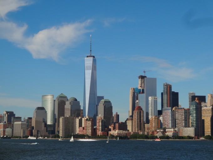 蓄水池的轮廓就是之前世贸中心双子塔的轮廓
