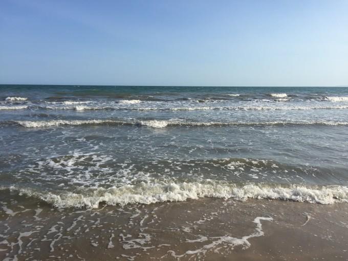 下午去海滩~~~捡贝壳,,看日落.