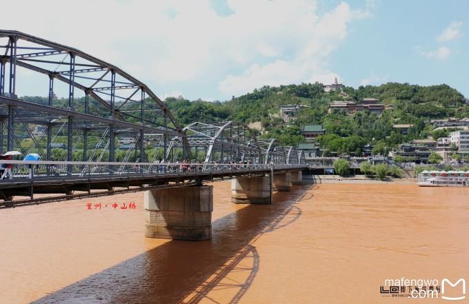 中山桥,黄河风景线诉说着这座城市的过往.