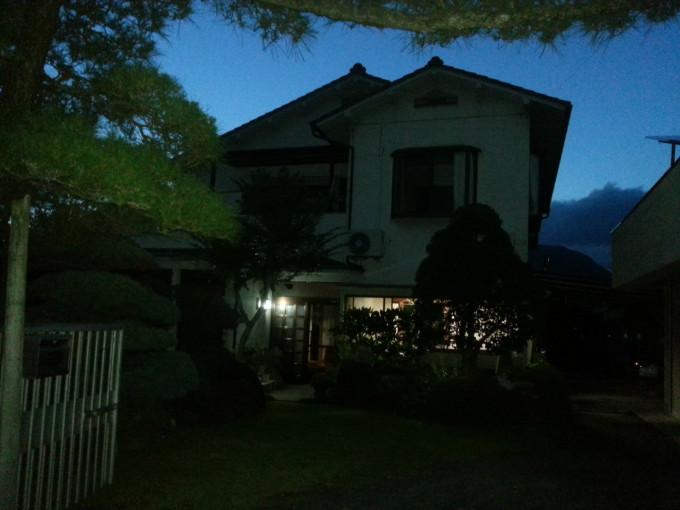 小院欧式窗户风景图片