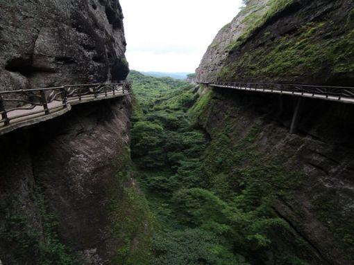 (深圳出发)梅州平远天道,挑战五指石空中玻璃栈道,观世界最大卧佛休闲