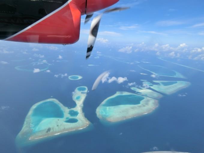 飞机上风景好美,好多岛